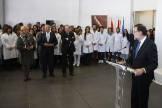 El Presidente del Gobierno, Mariano Rajoy, en un momento de su visita al Centro de Investigación y Desarrollo del Grupo Siro.